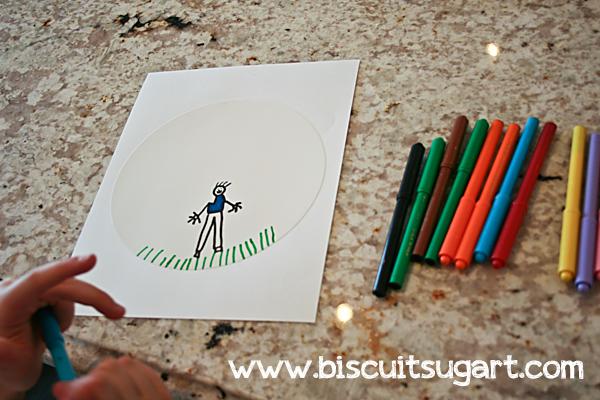 Dessiner sur une feuille comestible avec des crayons