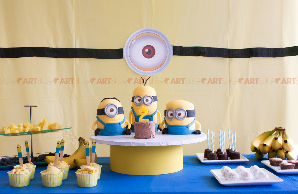decoration gateau anniversaire minion arts culinaires magiques. Black Bedroom Furniture Sets. Home Design Ideas