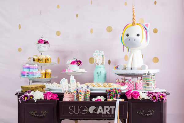 licorne, gâteau, table sucrée