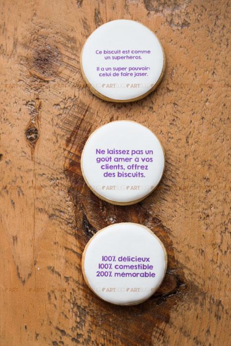 Messages sur biscuits. Personnalisable sur demande. Biscuits corporatifs.