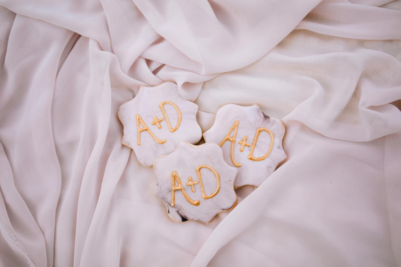 Biscuits personnalisés pour un mariage sur une plage de Gaspésie