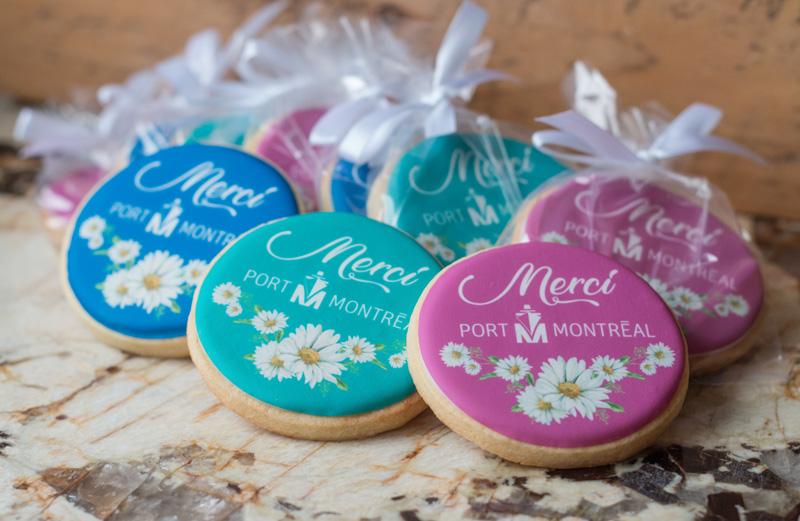 Biscuits avec impression comestible en couleurs.